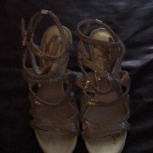 Michel kors high heels gold